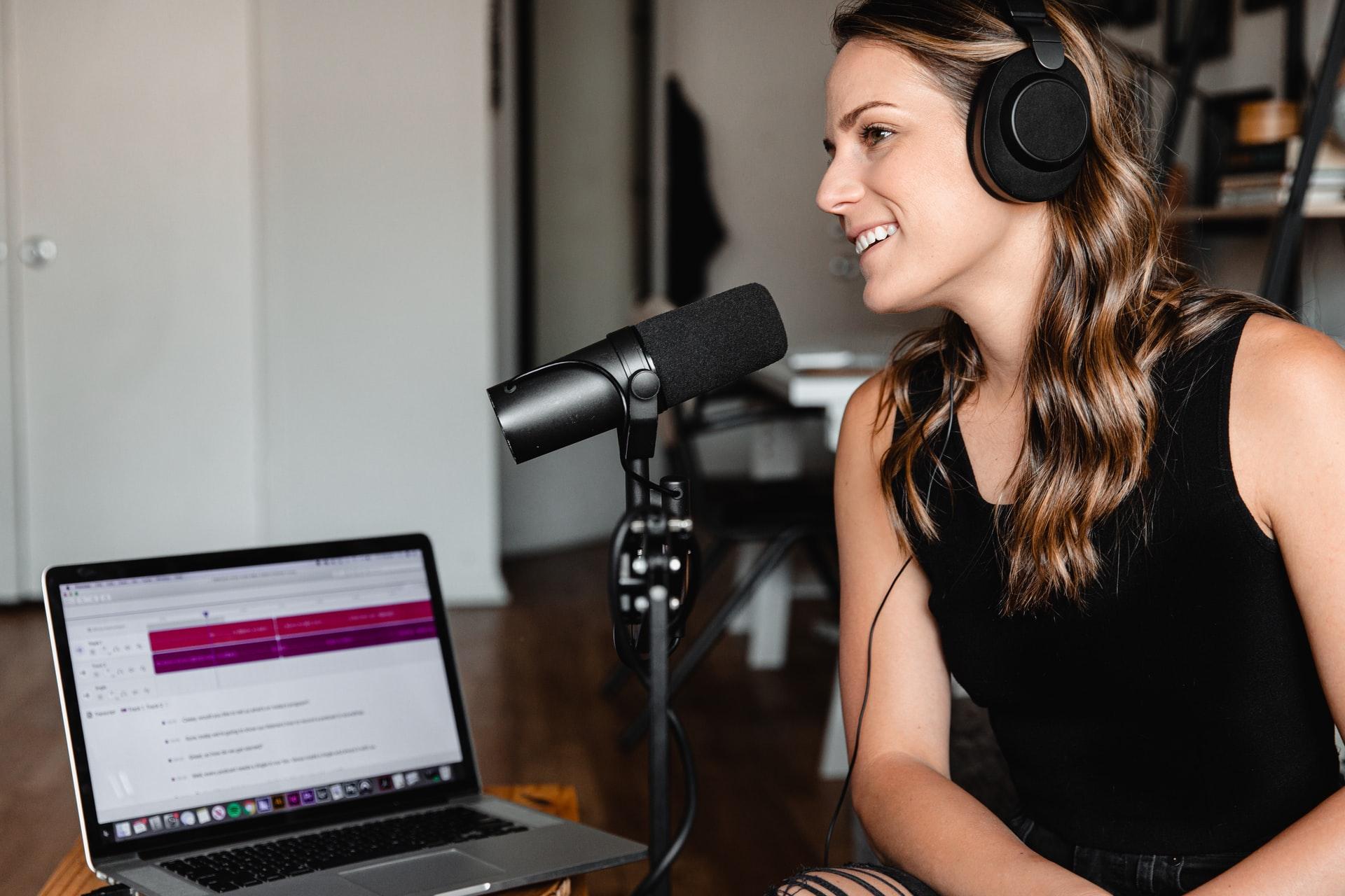 Tiga Alasan Podcast Menjadi Alternatif Hiburan
